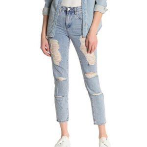 """Forever 21 light wash distressed ankle length 30"""""""